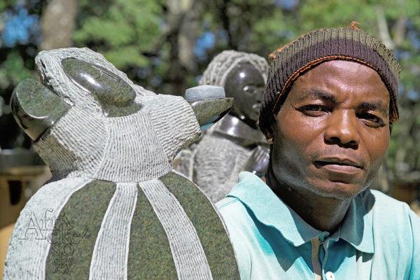 Bildhauer Mabwuto Mangiza Tengenenge 2007