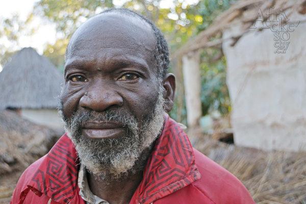 Bildhauer Davison Chakawa Tengenenge 2018