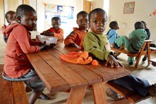 Vorschuleinrichtung (Kindergarten) für die kleinsten Kinder in Tengenenge