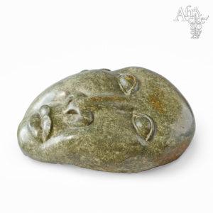 Skulptur von Wonder Luke | Steinskulpturen online kaufen | Steinskulpturen für Garten und Haus