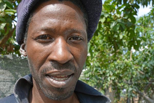 Bildhauer Try Gora Mwurvi 2018