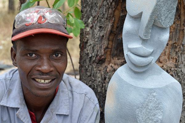 Bildhauer Trymore Ferenando