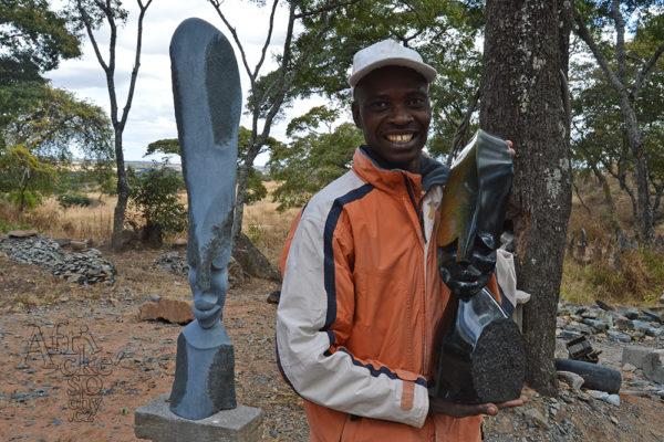 Bildhauer Trymore Ferenando Tengenenge 2018