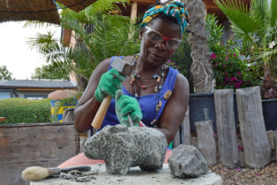 Skulpturenworkshops mit Maudy Muhoni