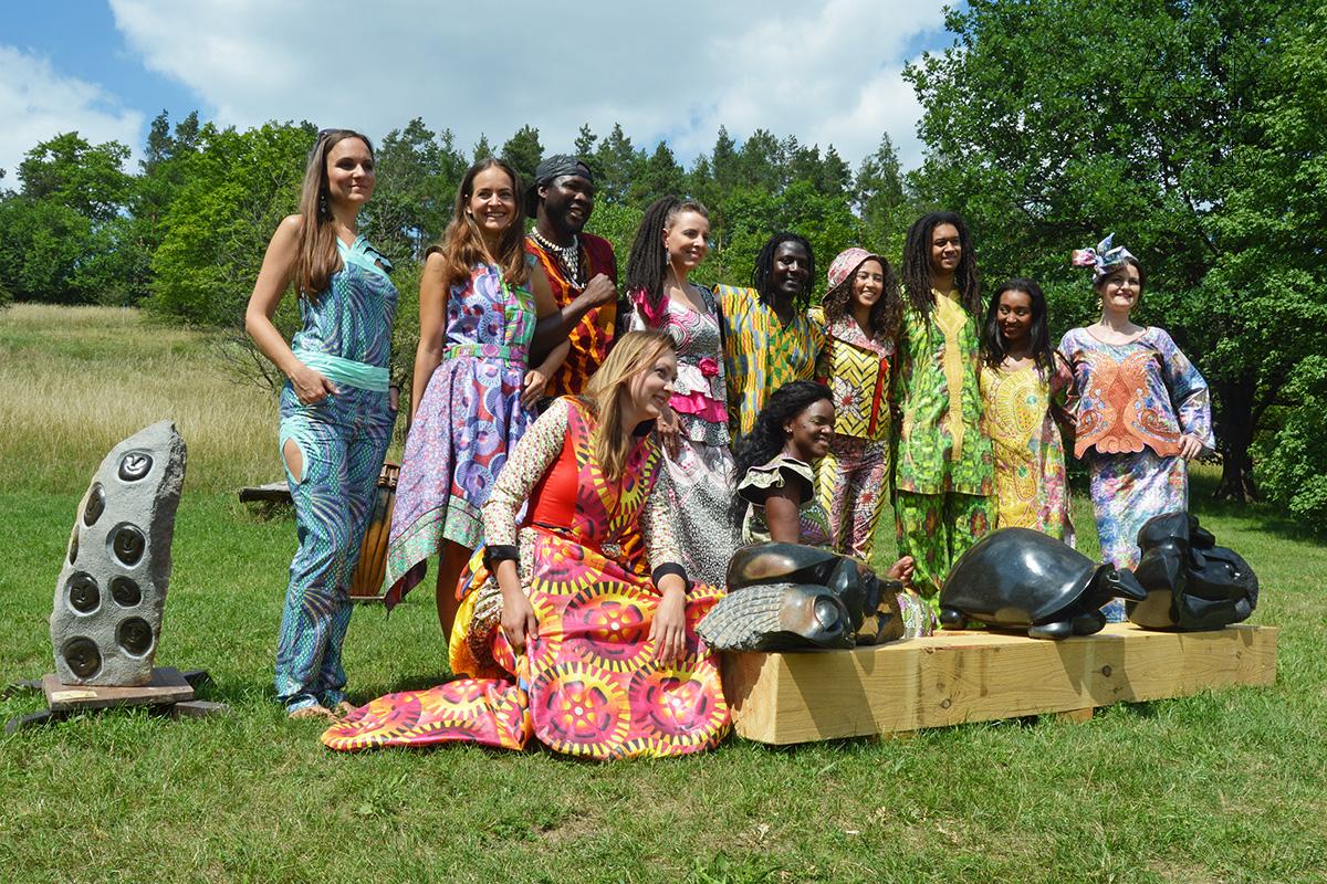 Ausstellung afrikanischer Skulpturen im Botanischen Garten