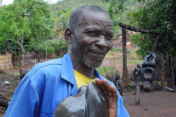 Bildhauer Farison Maposa - Tengenenge 2020