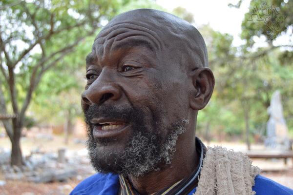 Bildhauer Jaisi Muhomba - Tengenenge 2017