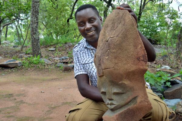 Bildhauer Wasiri Amali Malola - Tengenenge 2020